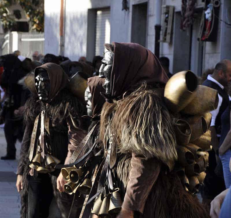 Mamuthones sfilata Museo delle Maschere